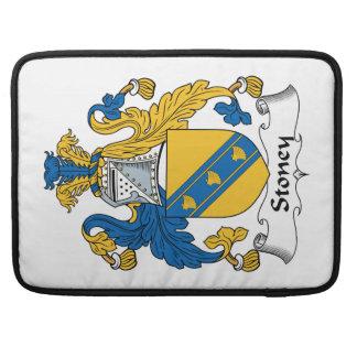 Escudo de la familia de Stoney Fundas Para Macbooks