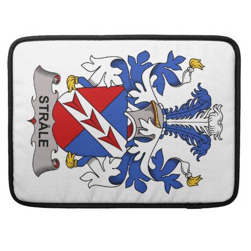 Escudo de la familia de Strale Fundas Para Macbooks