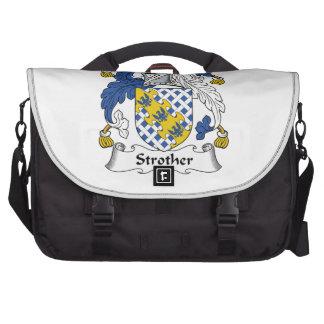 Escudo de la familia de Strother Bolsas Para Portátil