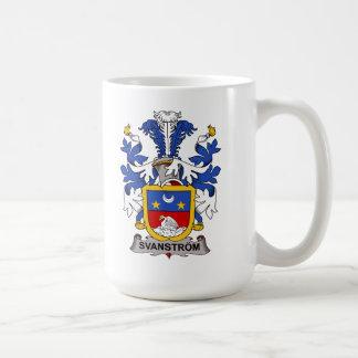 Escudo de la familia de Svanstrom Taza Básica Blanca