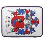 Escudo de la familia de Swinka Fundas Macbook Pro
