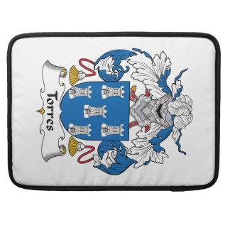 Escudo de la familia de Torres Fundas Para Macbooks