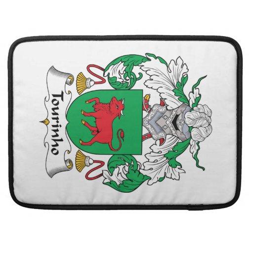 Escudo de la familia de Tourinho Funda Para Macbooks