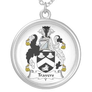 Escudo de la familia de Travers Colgante Personalizado