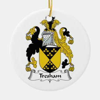 Escudo de la familia de Tresham Adorno Navideño Redondo De Cerámica