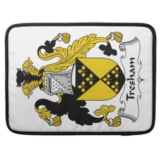 Escudo de la familia de Tresham Fundas Para Macbook Pro