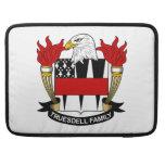 Escudo de la familia de Truesdell Fundas Macbook Pro