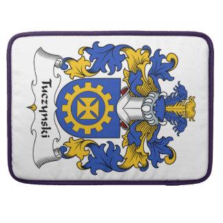 Escudo de la familia de Tuczynski Fundas Para Macbook Pro