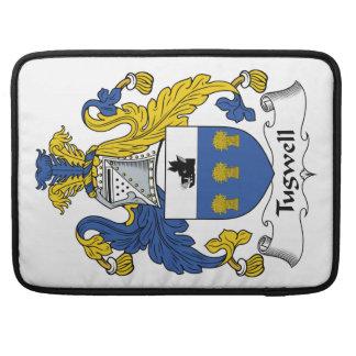 Escudo de la familia de Tugwell Fundas Para Macbook Pro