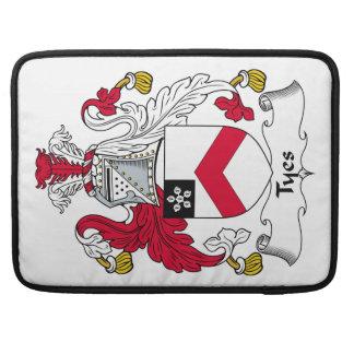 Escudo de la familia de Tyes Fundas Para Macbook Pro