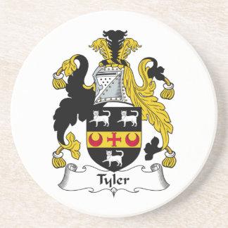 Escudo de la familia de Tyler Posavaso Para Bebida