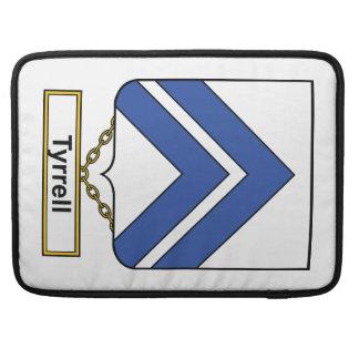 Escudo de la familia de Tyrrell Fundas Para Macbooks