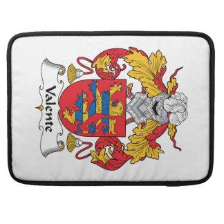 Escudo de la familia de Valente Fundas Para Macbooks