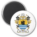 Escudo de la familia de Van Bergen Imanes De Nevera