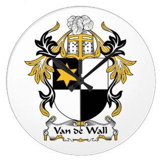 Escudo de la familia de Van de Wall Reloj De Pared