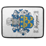 Escudo de la familia de Vespignani Funda Para Macbooks