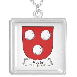 Escudo de la familia de Veste Grímpola