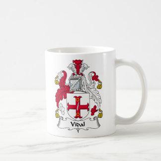 Escudo de la familia de Vidal Taza Básica Blanca