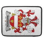 Escudo de la familia de Warwick Fundas Para Macbooks