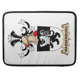 Escudo de la familia de Wasserburg Fundas Para Macbooks