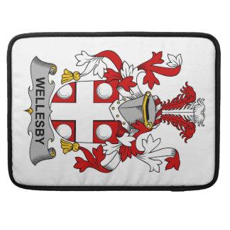 Escudo de la familia de Wellesby Fundas Para Macbooks