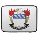 Escudo de la familia de Wetmore Fundas Para Macbook Pro