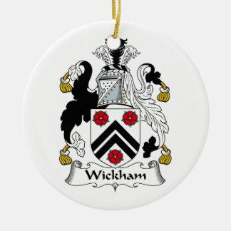 Escudo de la familia de Wickham Adorno Navideño Redondo De Cerámica