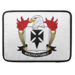 Escudo de la familia de Wooten Fundas Macbook Pro