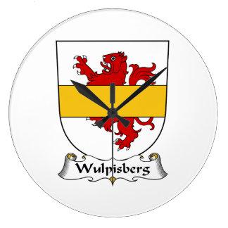 Escudo de la familia de Wulpisberg Reloj De Pared