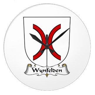 Escudo de la familia de Wynfelden Reloj De Pared
