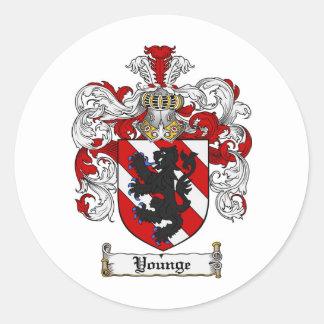Escudo de la familia de Younge del escudo de armas Pegatina Redonda