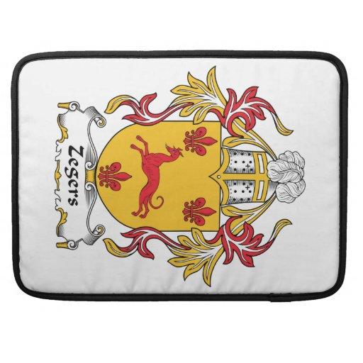Escudo de la familia de Zegers Fundas Para Macbook Pro
