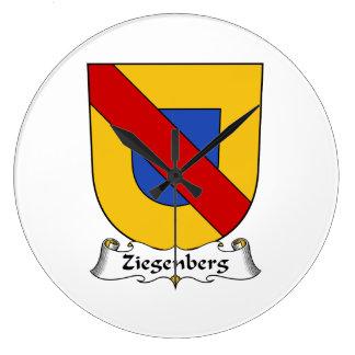 Escudo de la familia de Ziegenberg Relojes De Pared