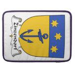Escudo de la familia de Zinzendorf Fundas Macbook Pro