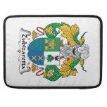 Escudo de la familia de Zubizaretta Fundas Para Macbooks
