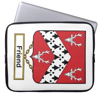 Escudo de la familia del amigo fundas computadoras