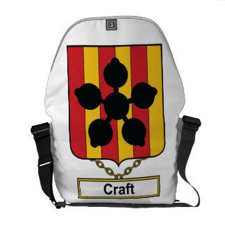Escudo de la familia del arte bolsas de mensajería