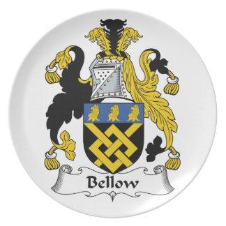 Escudo de la familia del bramido plato para fiesta