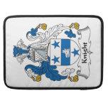 Escudo de la familia del caballero funda para macbook pro