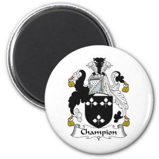 Escudo de la familia del campeón imán de nevera