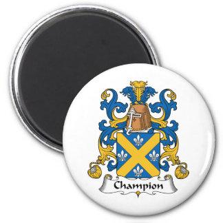 Escudo de la familia del campeón imán de frigorifico