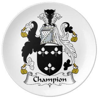 Escudo de la familia del campeón plato de cerámica