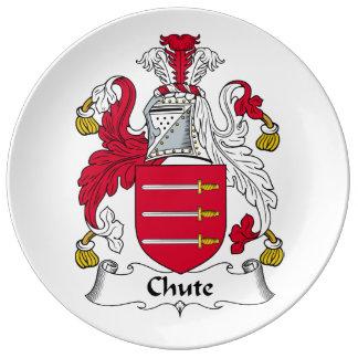 Escudo de la familia del canal inclinado platos de cerámica