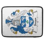 Escudo de la familia del cisne fundas para macbooks
