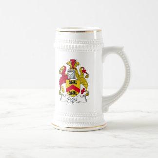 Escudo de la familia del cocinero tazas de café