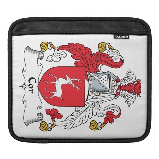 Escudo de la familia del corazón fundas para iPads