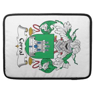 Escudo de la familia del corral fundas macbook pro