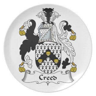 Escudo de la familia del credo platos
