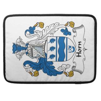 Escudo de la familia del cuerno funda para macbook pro