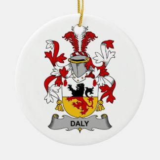 Escudo de la familia del Daly Adorno Redondo De Cerámica